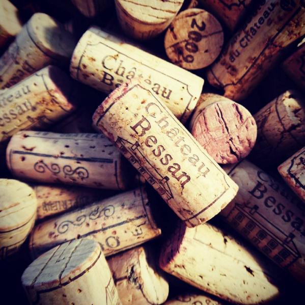 bouchons du chateau bessan vin de bordeaux tabanac
